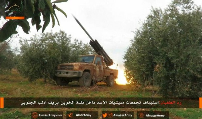 """""""Hổ Syria"""" đè bẹp địch đoạt hàng chục cứ địa, khủng bố công khai sử dụng vũ khí hóa học ảnh 7"""