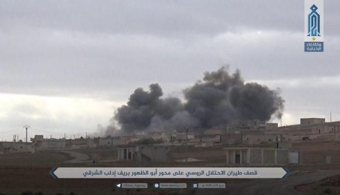 Nga dội bão lửa ở Idlib, phiến quân bắn đạn hóa học chống quân đội Syria ảnh 1