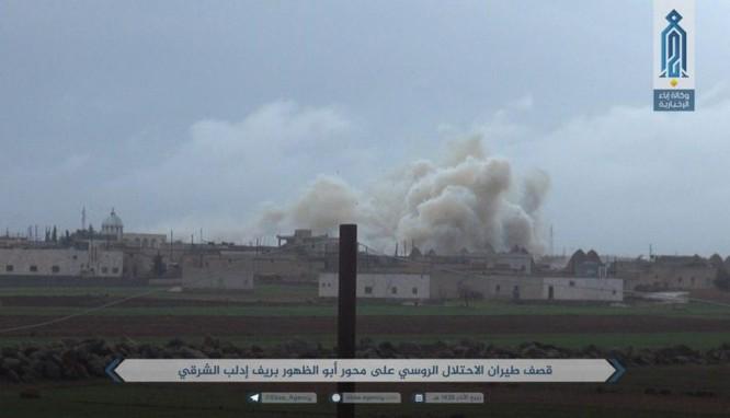 Nga dội bão lửa ở Idlib, phiến quân bắn đạn hóa học chống quân đội Syria ảnh 2