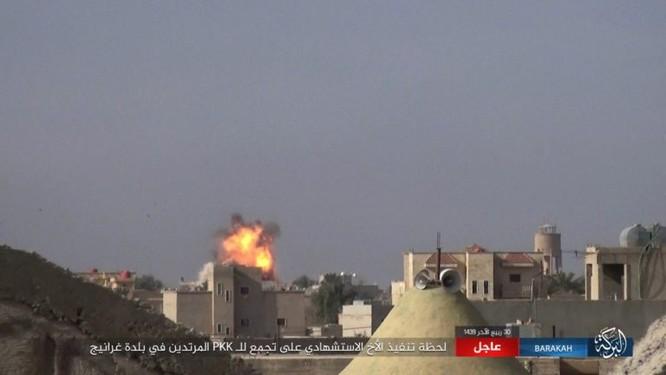 Giao chiến ác liệt, hàng chục binh sĩ Kurd thiệt mạng trước IS ảnh 3