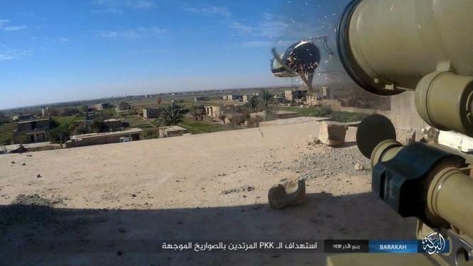 Giao chiến ác liệt, hàng chục binh sĩ Kurd thiệt mạng trước IS ảnh 5