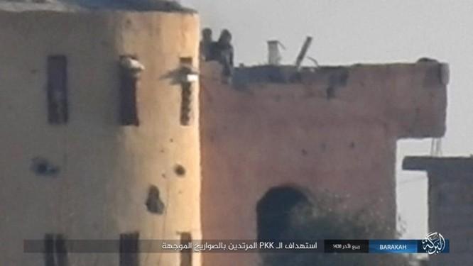 Giao chiến ác liệt, hàng chục binh sĩ Kurd thiệt mạng trước IS ảnh 6