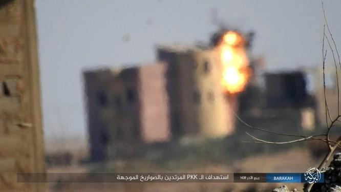 Giao chiến ác liệt, hàng chục binh sĩ Kurd thiệt mạng trước IS ảnh 7
