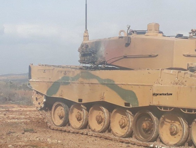 Thổ Nhĩ Kỳ tung đòn dữ dội, người Kurd Syria trả đũa bằng tên lửa, bắn hạ xe tăng ảnh 1