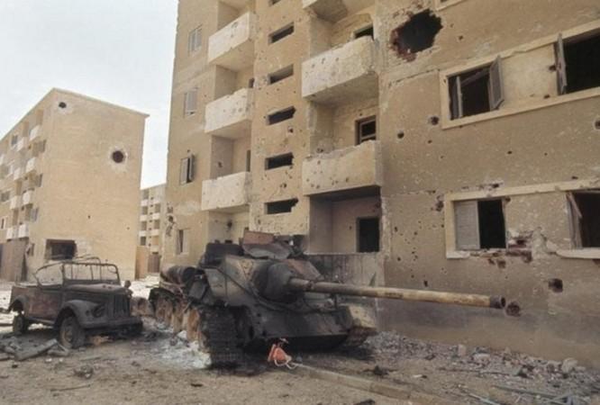 """Xe tăng thần thánh Mỹ bị """"bắn gục như sung"""" trên chiến địa Yemen, Iraq ảnh 1"""