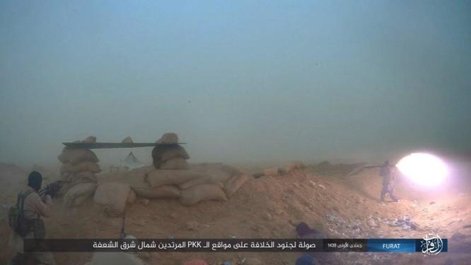IS giáng đòn khiến người Kurd Syria điên đảo tại Deir Ezzor ảnh 11