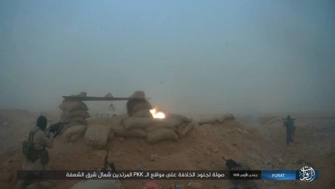 IS giáng đòn khiến người Kurd Syria điên đảo tại Deir Ezzor ảnh 12