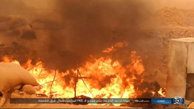 IS giáng đòn khiến người Kurd Syria điên đảo tại Deir Ezzor ảnh 15