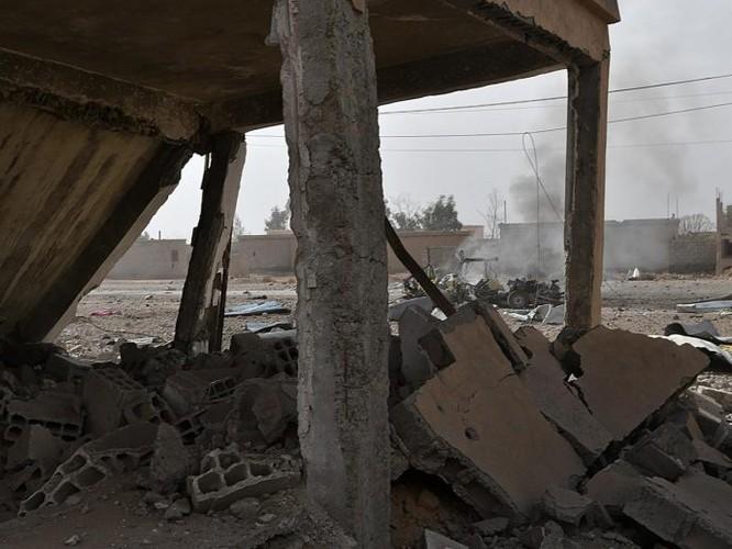 Hàng chục chiến binh IS bị diệt, quân đội Syria chiếm giữ nhiều vũ khí Mỹ ảnh 3