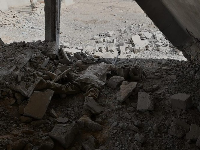 Hàng chục chiến binh IS bị diệt, quân đội Syria chiếm giữ nhiều vũ khí Mỹ ảnh 5