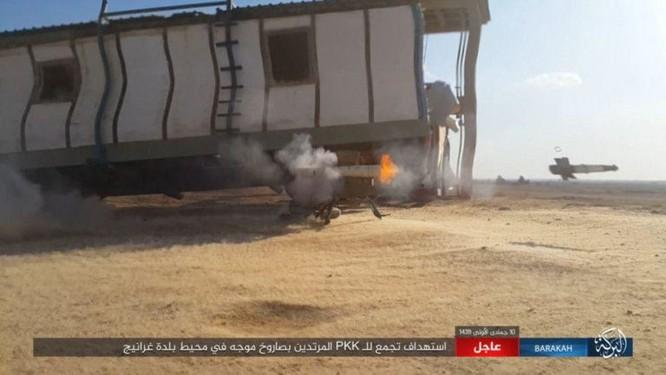 Hơn 400 phiến quân IS đền mạng trong một tháng ảnh 1
