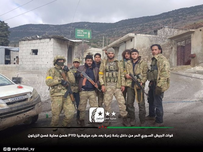 Thổ Nhĩ Kỳ đoạt thị trấn chiến lược, 24 chiến binh Kurd thiệt mạng ảnh 1