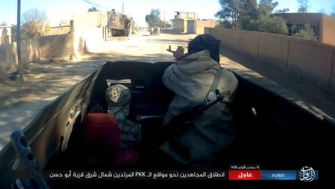 IS quần người Kurd tơi bời tại Deir Ezzor, hàng loạt chiến binh Kurd thiệt mạng ảnh 3