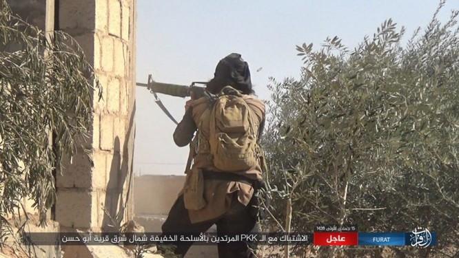 IS quần người Kurd tơi bời tại Deir Ezzor, hàng loạt chiến binh Kurd thiệt mạng ảnh 4