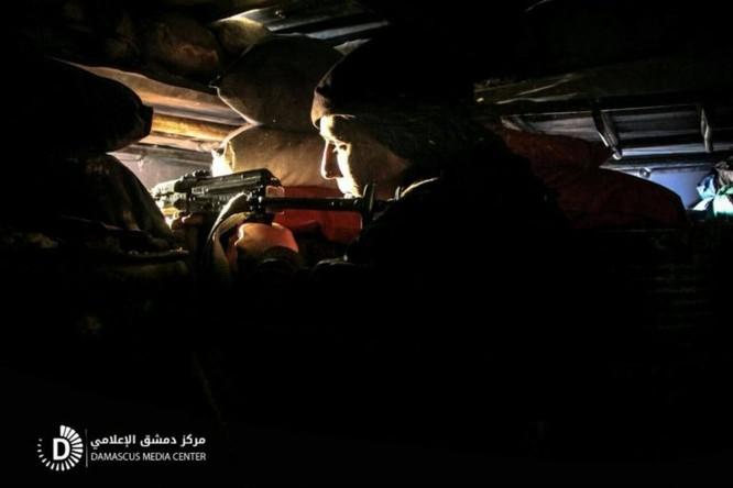 Chiến sự Syria: Quân Assad tấn công cắt đường sống phe thánh chiến ven Damascus ảnh 1