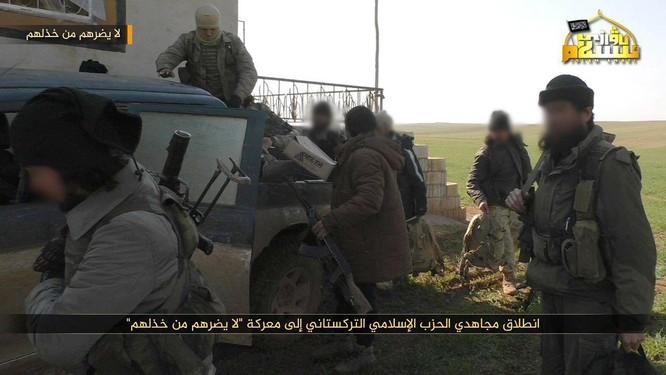 Phiến quân Syria người Duy Ngô Nhĩ phản công trên tuyến lửa Idlib ảnh 1