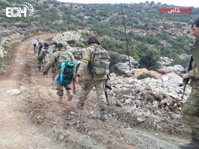 Dân quân Kurd phục kích bắn tan xác xe phiến quân Thổ Nhĩ Kỳ chống lưng ảnh 2