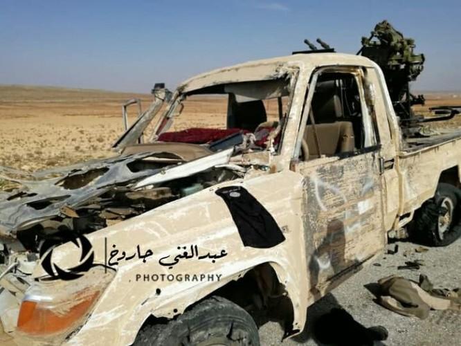 IS mở đường máu phá vây, hàng chục tay súng mất mạng ảnh 5