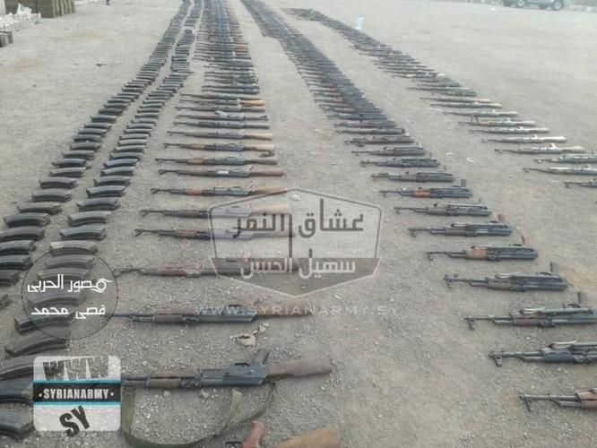 """""""Hổ Syria"""" tốc chiến chiếm kho vũ khí khủng của IS tại Hama ảnh 7"""