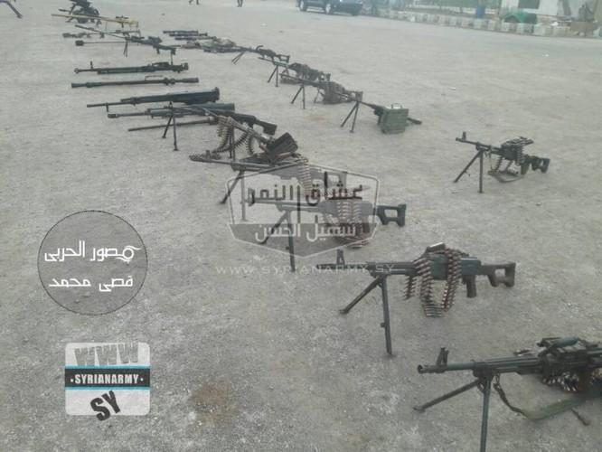 """""""Hổ Syria"""" tốc chiến chiếm kho vũ khí khủng của IS tại Hama ảnh 11"""