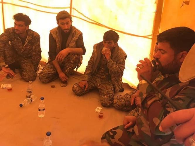 IS tung đòn tự sát, người Kurd tổn thất nặng ở Deir Ezzor ảnh 12