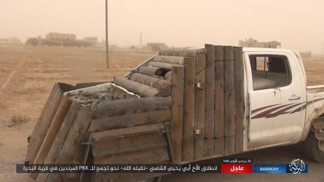 IS tung đòn tự sát, người Kurd tổn thất nặng ở Deir Ezzor ảnh 6