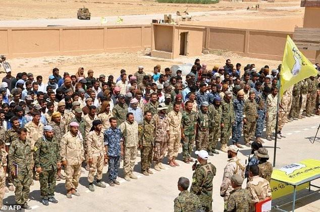 Syria như thùng thuốc súng chực nổ, Mỹ đẩy người Kurd khỏi đông Euphrates ảnh 2
