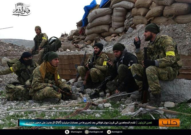 Người Kurd Syria đánh cầm chừng, quân Thổ chiếm thêm 2 thị trấn ảnh 1