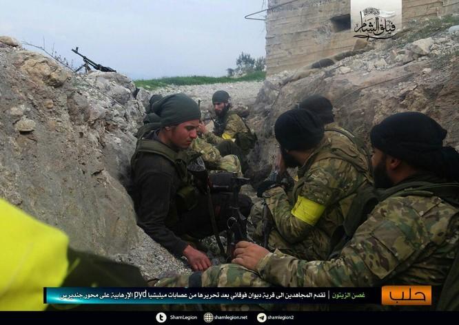 Người Kurd Syria đánh cầm chừng, quân Thổ chiếm thêm 2 thị trấn ảnh 3