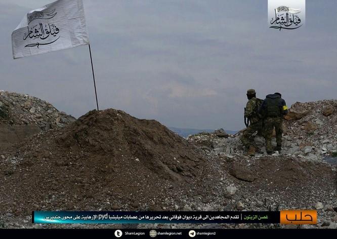 Người Kurd Syria đánh cầm chừng, quân Thổ chiếm thêm 2 thị trấn ảnh 4