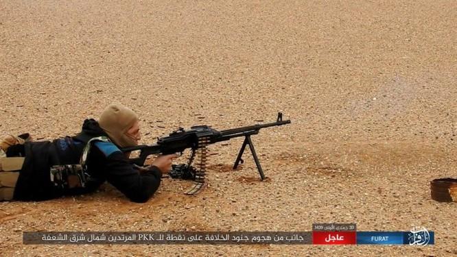 Mỹ lại không kích nhầm đồng minh, IS đánh người Kurd Syria điên đảo ảnh 15