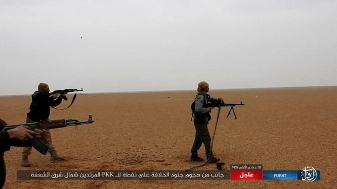 Mỹ lại không kích nhầm đồng minh, IS đánh người Kurd Syria điên đảo ảnh 16