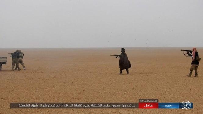 Mỹ lại không kích nhầm đồng minh, IS đánh người Kurd Syria điên đảo ảnh 18