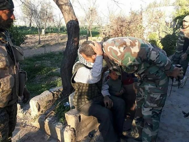 Chiến sự Syria: Quân Assad đè bẹp phe thánh chiến, đoạt căn cứ tên lửa ở Đông Ghouta ảnh 3