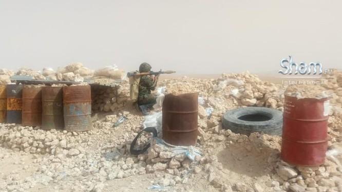 Quân Syria tấn công mở rộng kiểm soát sát căn cứ Mỹ trên sa mạc Damascus ảnh 6