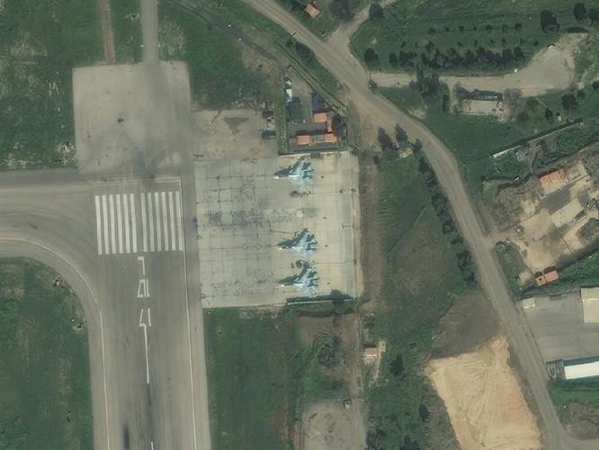 Ảnh vệ tinh công khai bí mật, Su-57 Nga vẫn hiện diện ở Syria ảnh 2