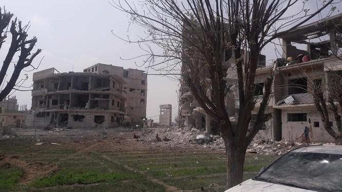 """""""Hổ Syria"""" xung trận chiếm thị trấn chiến lược ở Đông Ghouta sau hai ngày giao chiến sinh tử ảnh 2"""