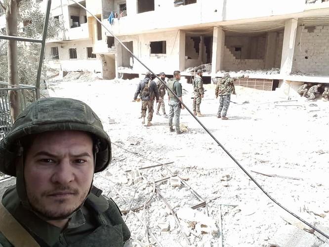 """""""Hổ Syria"""" xung trận chiếm thị trấn chiến lược ở Đông Ghouta sau hai ngày giao chiến sinh tử ảnh 5"""