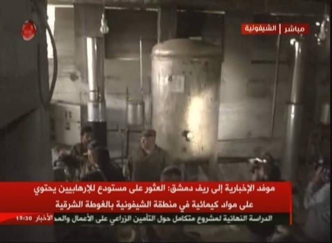 Quân đội Syria chiếm xưởng vũ khí hóa học lớn của phe thánh chiến ở Đông Ghouta ảnh 3
