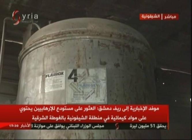 Quân đội Syria chiếm xưởng vũ khí hóa học lớn của phe thánh chiến ở Đông Ghouta ảnh 6
