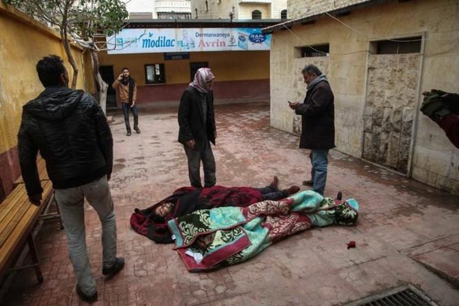 Pháo binh, không quân Thổ Nhĩ Kỳ tập kích Afrin, hàng chục người dân Kurd thiệt mạng ảnh 1