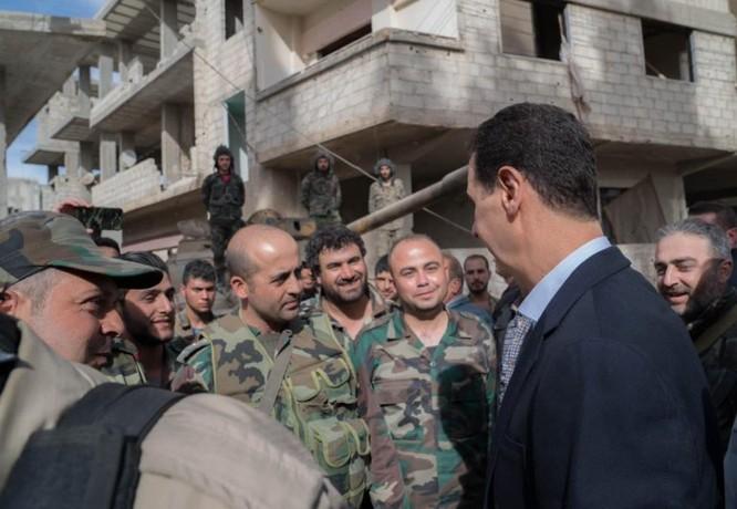 Quân đội Syria ép phe nổi dậy đang nguy khốn đầu hàng, tổng thống Assad thăm Đông Ghouta ảnh 4