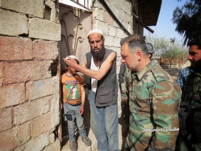 Quân đội Syria đè bẹp thánh chiến tử thủ cứ địa Kafr Batna, 80% Đông Ghouta được giải phóng ảnh 7