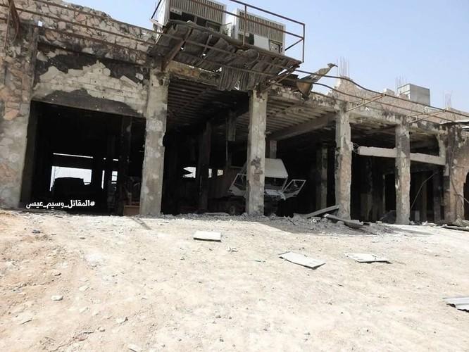 """Quân đội Syria tung đòn vào """"pháo đài"""" thánh chiến Đông Ghouta, chiếm xưởng chế tạo xe bom cảm tử ảnh 1"""