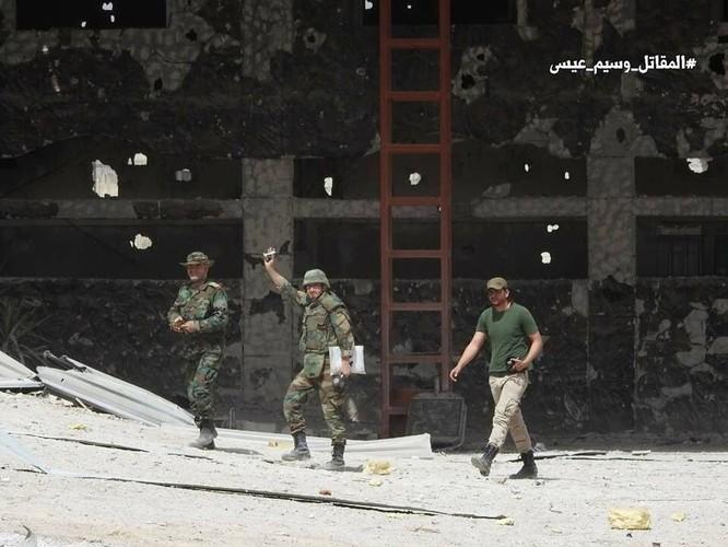"""Quân đội Syria tung đòn vào """"pháo đài"""" thánh chiến Đông Ghouta, chiếm xưởng chế tạo xe bom cảm tử ảnh 4"""