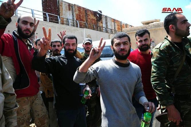 Chiến sự Syria: Quân Assad đè bẹp thánh chiến, giải phóng hoàn toàn 4 quận sào huyệt ở Đông Ghouta ảnh 4
