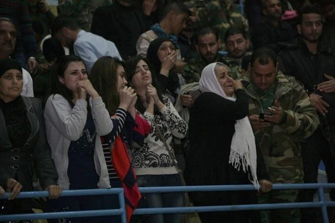 Chỉ 200 trong 5.000 tù nhân bị phe thánh chiến Syria bắt giữ còn sống sót ở Douma, Đông Ghouta ảnh 5