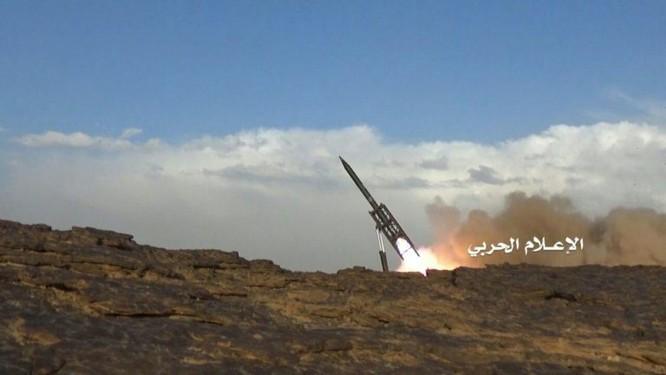 Phiến quân Houthi phóng tên lửa đạn đạo tấn công Bộ quốc phòng Ả rập Xê út ảnh 6
