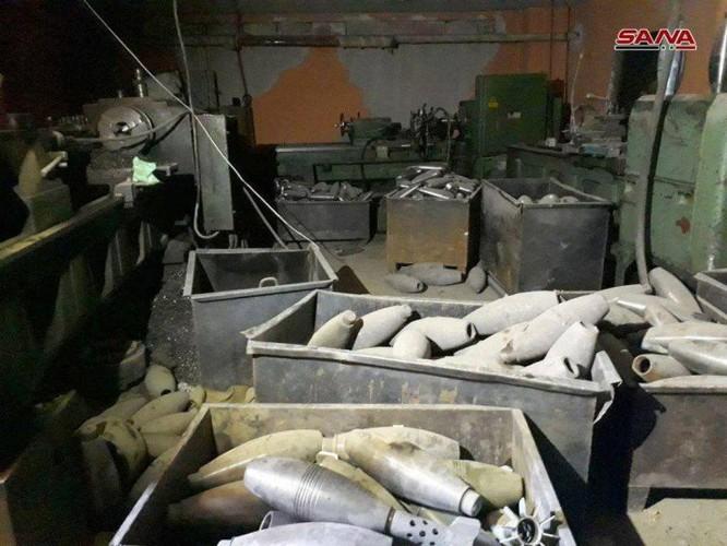 Quân đội Syria phát hiện kho đạn cối khổng lồ của phe thánh chiến tại tử địa Đông Ghouta ảnh 2