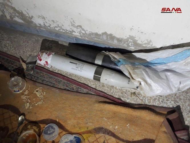 """Quân đội Syria chiếm giữ nhà máy vũ khí lớn của phe thánh chiến ở """"pháo đài"""" Douma ảnh 2"""